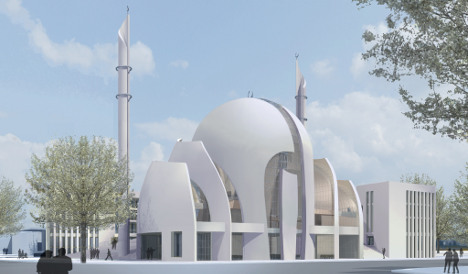 Conservatives say Muslims must show restraint with mosques