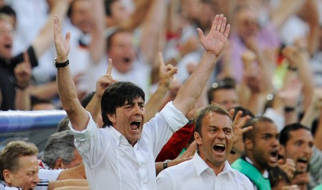 Löw's contract extended until 2012