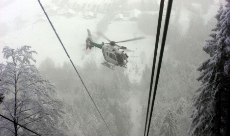 Dozens rescued from gondola by helicopter