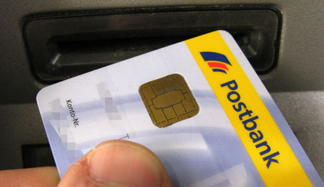 30 million bank cards hit by 2010 glitch