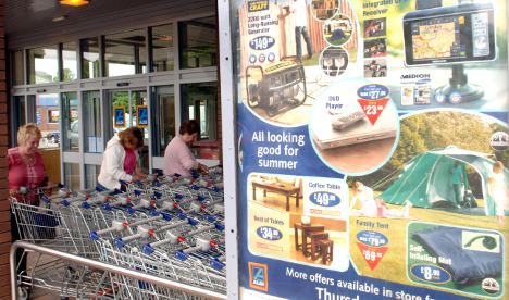 Farmers complain as discount grocers lower prices again