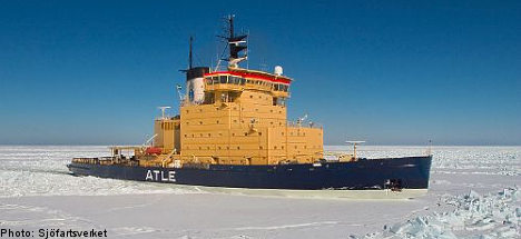 Icebreakers do battle with Swedish waters