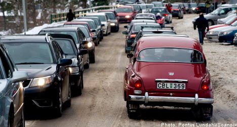 Thousands of drivers in Saab support road rally