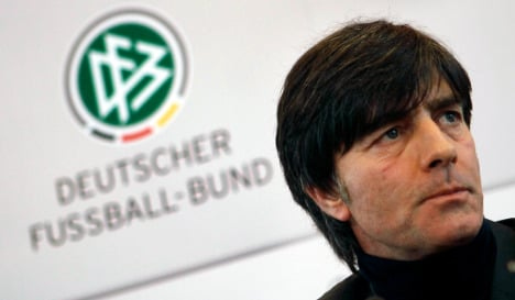 Löw backs down in contract dispute