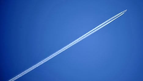 Government defends lengthy flight ban