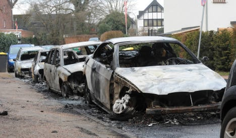 Hamburg police search for car arsonists after fiery weekend