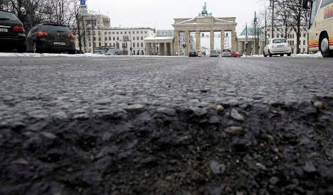 Potholes could be filled with federal cash as Greens mull city car toll