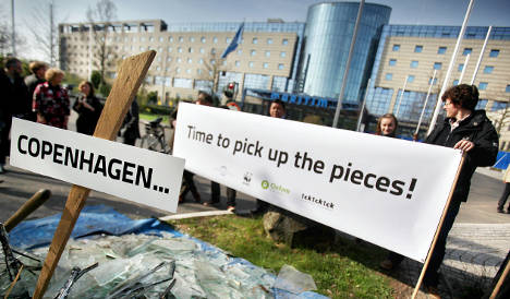 Environment ministers gather in Bonn to save climate talks