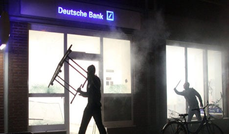 May Day clashes in Hamburg and Berlin