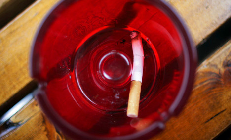 Growing ranks of smokers support ban