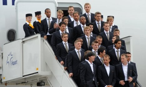 German team arrives in South Africa ahead of World Cup