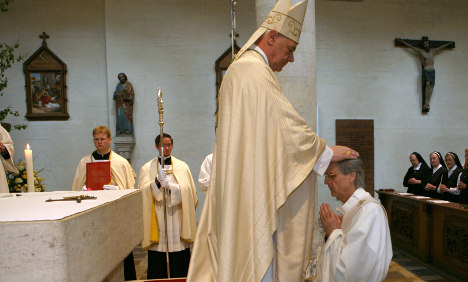 Married father of four ordained as Catholic priest