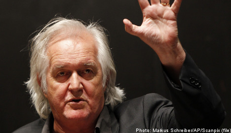 Mankell's bag returned – with women's clothes