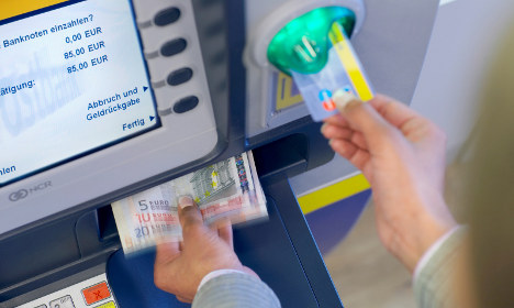 Stealth costs lurking behind 'free' bank services