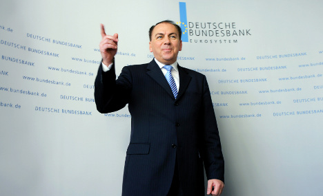 Bundesbank's Weber says ECB to hold course into 2011