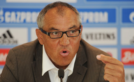 Magath threatens to quit Schalke over criticism from fans