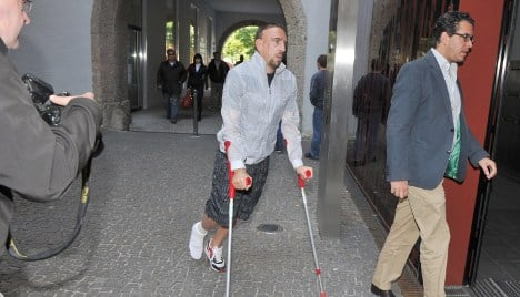 Bayern's Ribery sidelined for a month with ankle injury