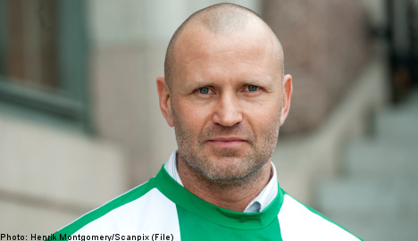 Stockholm football club coach quits after threats