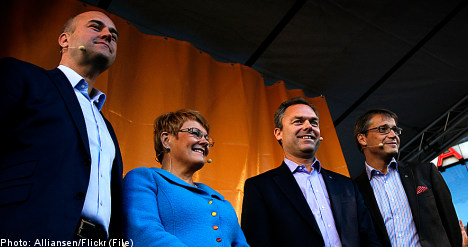 Poll lead continues for Alliance parties