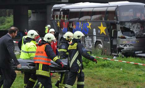 Relatives of Polish bus crash victims arriving in Germany