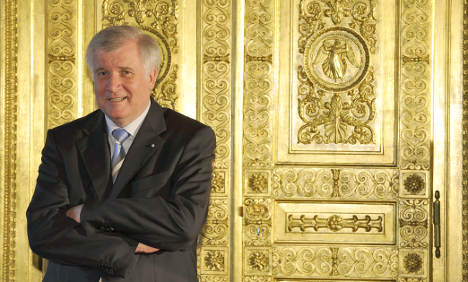 Turkish group demands apology from Seehofer