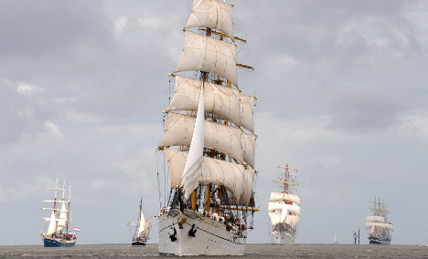 Training suspended on Gorch Fock after sailor's death