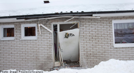 Bomb rattles home of Swedish prison worker