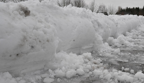 Man buried alive by snow