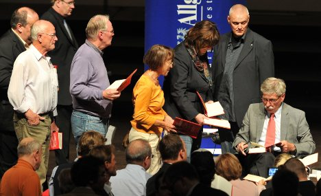 Sarrazin earns millions with anti-immigration book