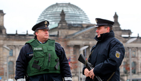 Review finds security holes at Reichstag