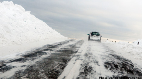 Roads remain calm as Swedes heed warnings