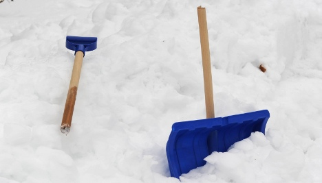 Man beats neighbour to death with snow shovel