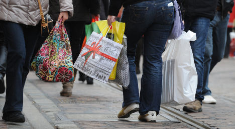 Upbeat retailers push business confidence to record high