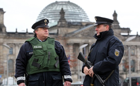 SPD calls for varying terror-threat levels