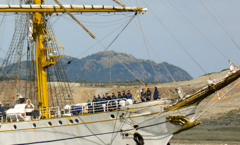 Gorch Fock sets sail for home