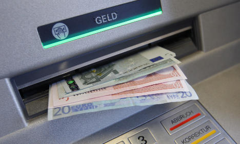 Banks to display extra ATM fees