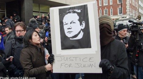 Assange readies for extradition court battle