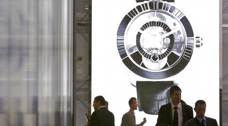 Fancy phones force watchmakers to innovate