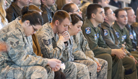 US troops ordered not to wear uniforms