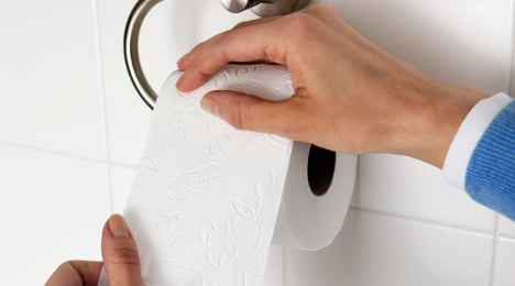 Socialist politician accused of stealing toilet paper