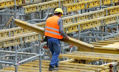 Construction workers get hefty pay raise