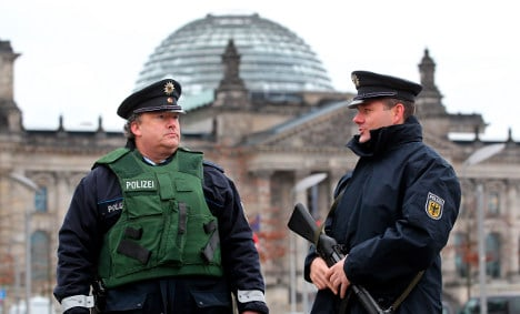 Reichstag dome reopening for tourists after terror alert