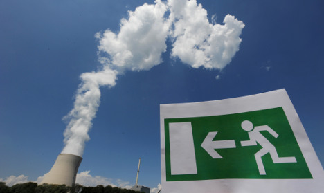 Commission sees nuclear exit within decade