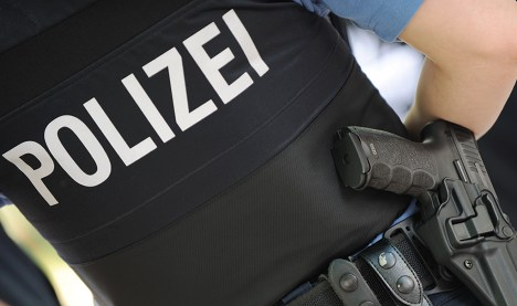 Police arrest 11 in people-smuggling ring