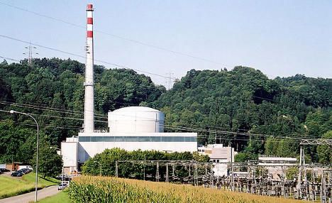 Nuclear plant shuts down for extra safety checks