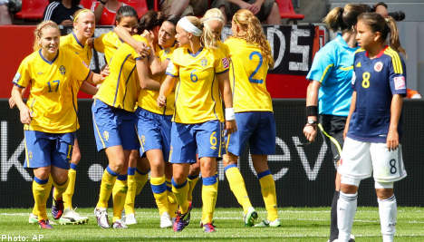 Sweden downs Colombia to win World Cup opener