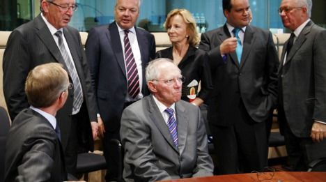 Schäuble strives to calm markets over Italy