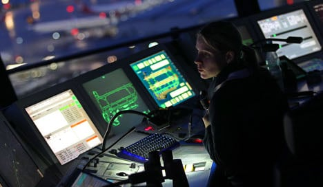 Air traffic controllers to strike Tuesday