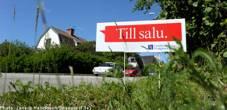 Swedish housing market continues to slide