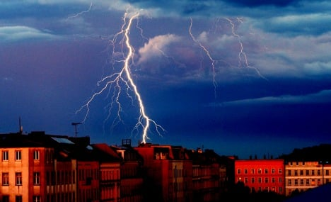 Thunderstorms to chase away weekend warmth